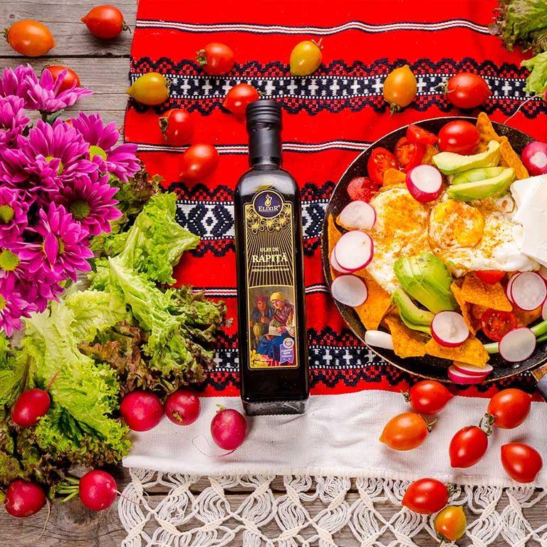 #MicDejunCuElixir: ouă cu avocado, legume și chipsuri