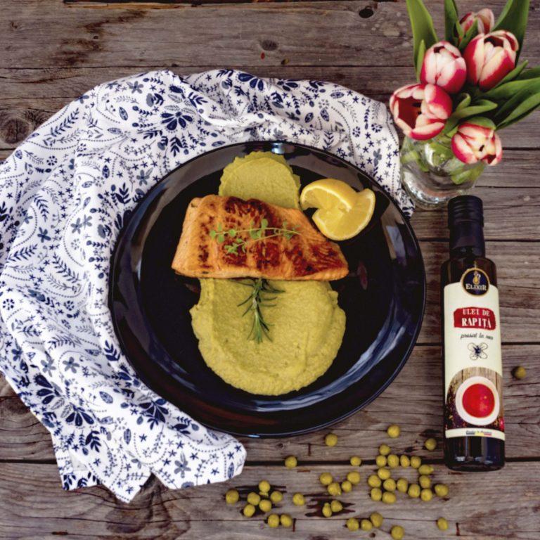 Pește (somon) cu pireu de brocoli